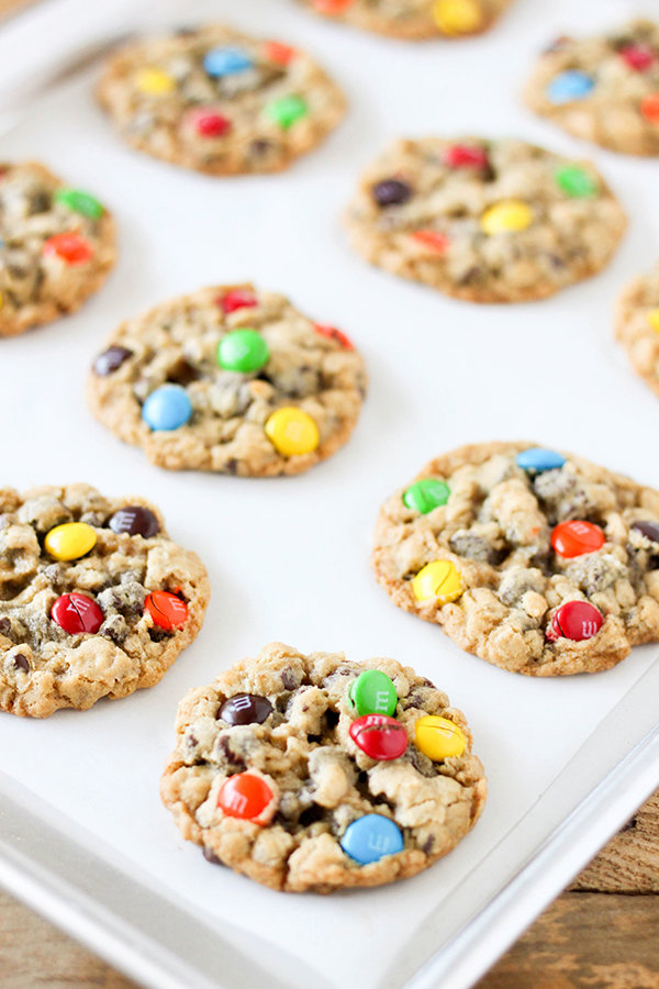 Chocolate Chip M&M'S Oatmeal Cookies