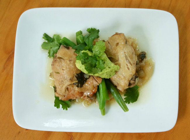 Crockpot Cilantro Chicken with Onions, Green Beans and Avocado