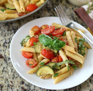 Tomato and Zucchini Penne Pasta (20 minute recipe)