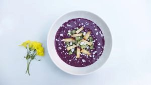 Simple Summer Smoothie Bowl
