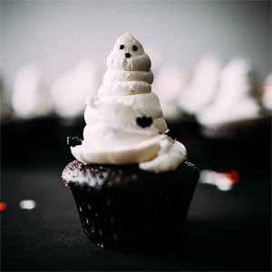 Spooky Chocolate Cupcakes with Vanilla Buttercream