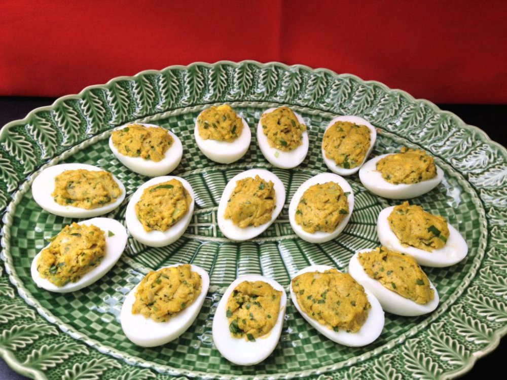 Nancie's Deviled Eggs with Cilantro and Curry