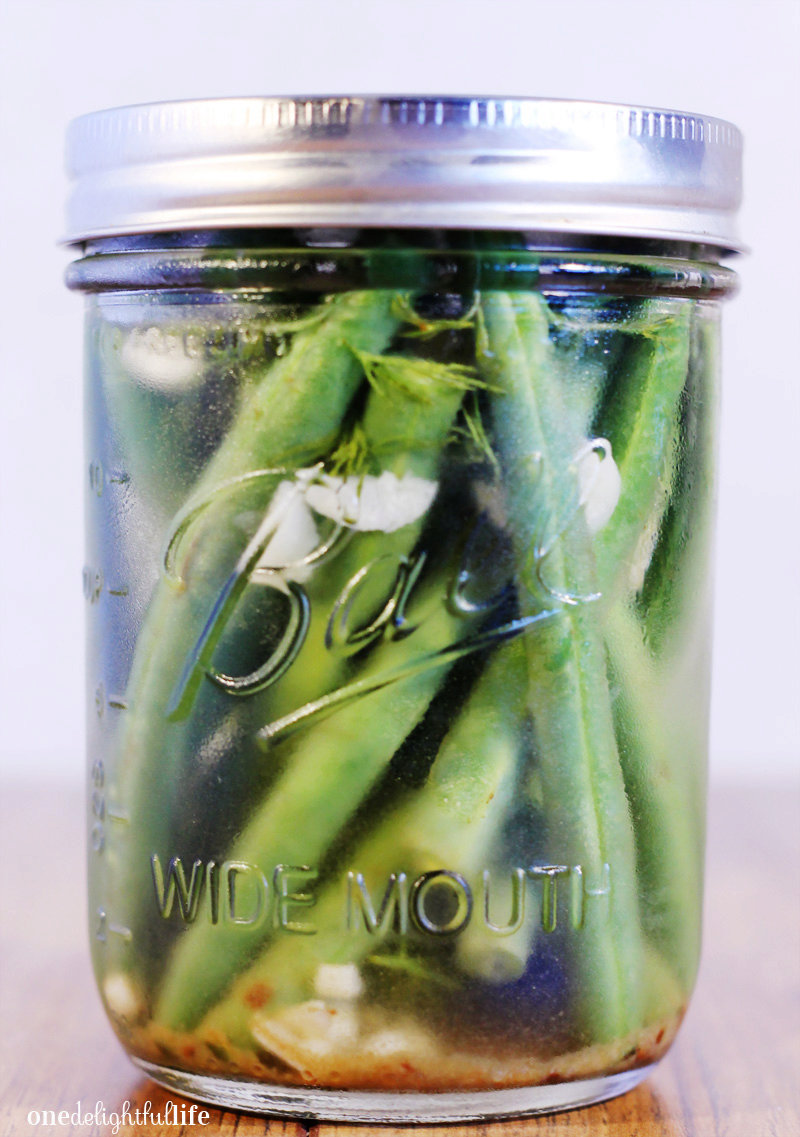 Overnight Pickled Green Beans with Garlic and Dill