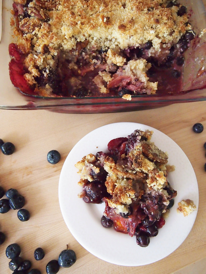 Paleo Summer Fruit Crisp