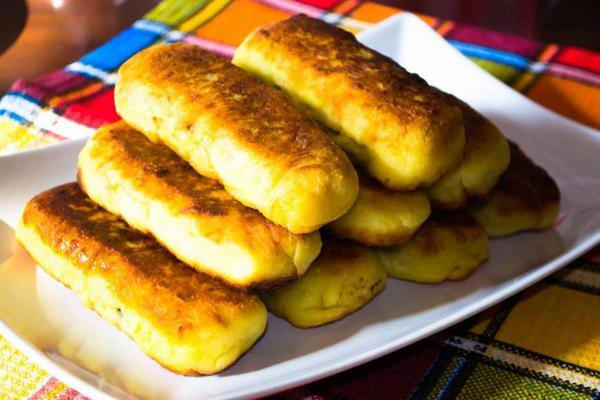 Potato rolls with minced meat