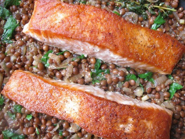 One-Skillet Crispy Salmon with Mustardy Lentils Recipe
