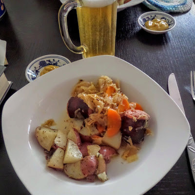Slow Cooker Kielbasa and Cabbage