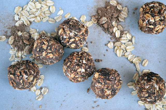 Cocoa and Peanut Butter Oat Balls