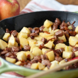 Apple, Bacon and Sausage Breakfast Skillet