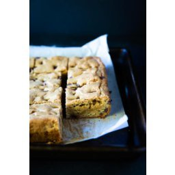 Caramel Blondies with Chocolate Chips