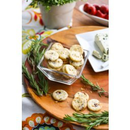 Fig and Rosemary Crackers