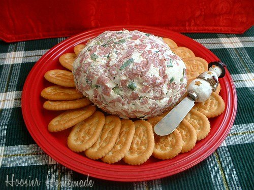 Christmas Cheese Ball.Christmas Cheese Ball