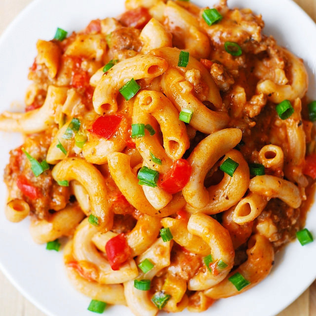 One-Skillet Mac and Cheese with Sausage and Bell Peppers