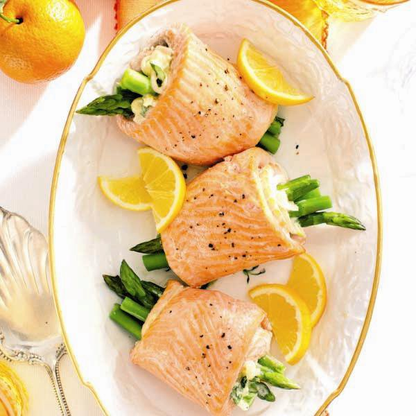 Rolled trout with asparagus and tarragon cream