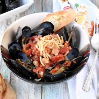 Spicy Mussels Provençal