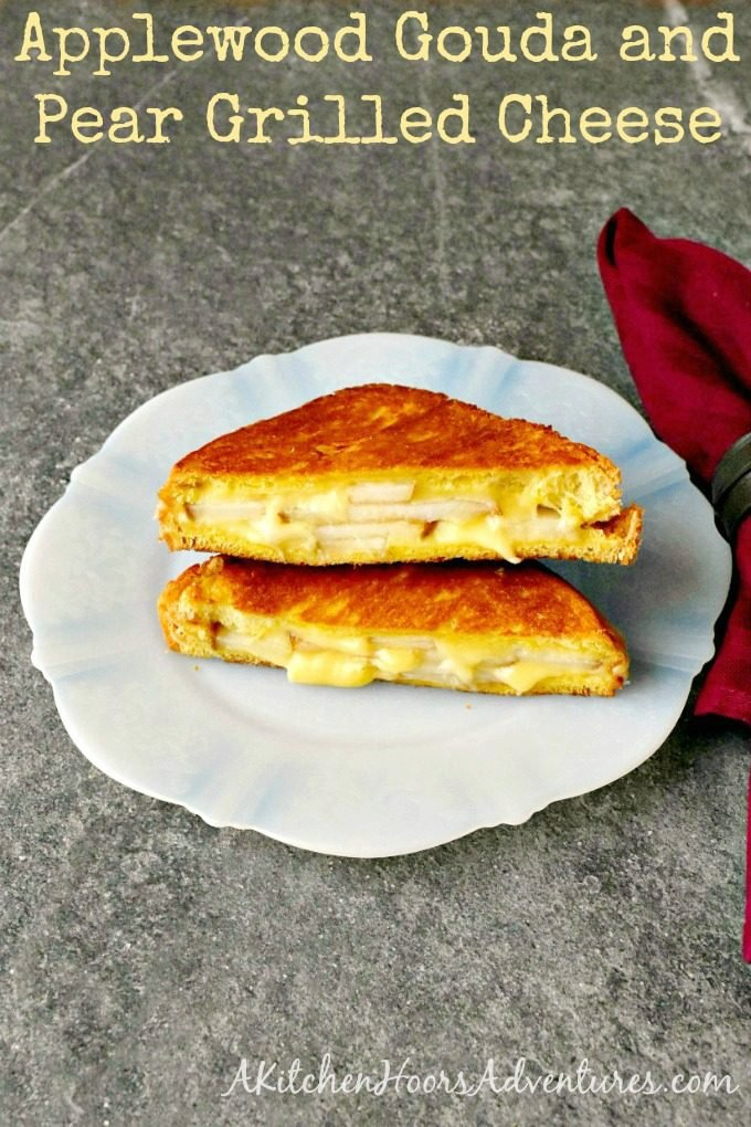 Applewood Gouda and Pear Grilled Cheese – Gourmet Grilled Cheese #SundaySupper