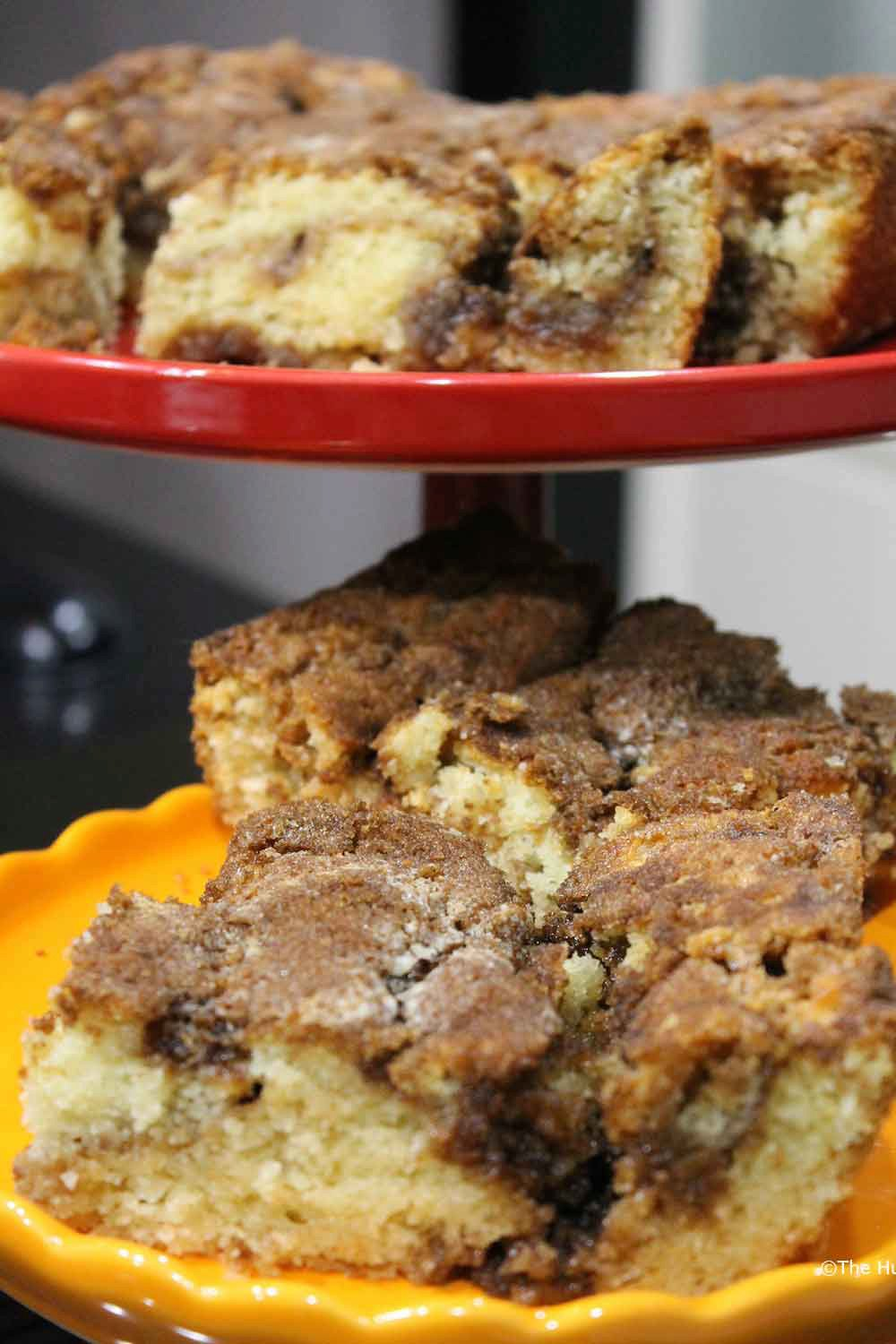 Easy, Old-Fashioned Cinnamon Streusel Coffee Cake