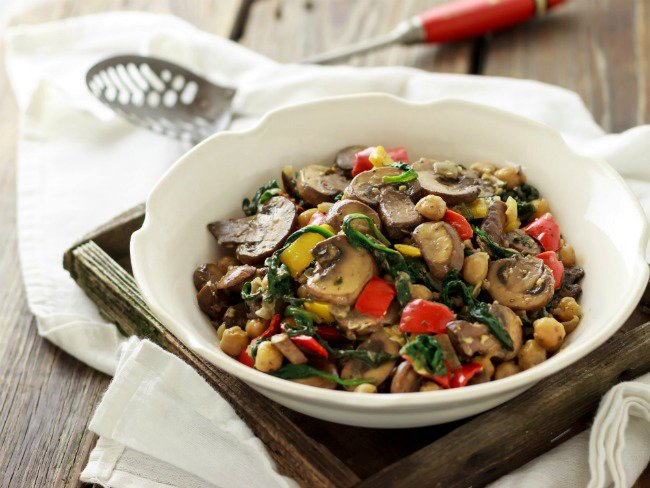 Vegan Chickpea Recipes: Chickpeas Florentine with Portobellos and Peppers