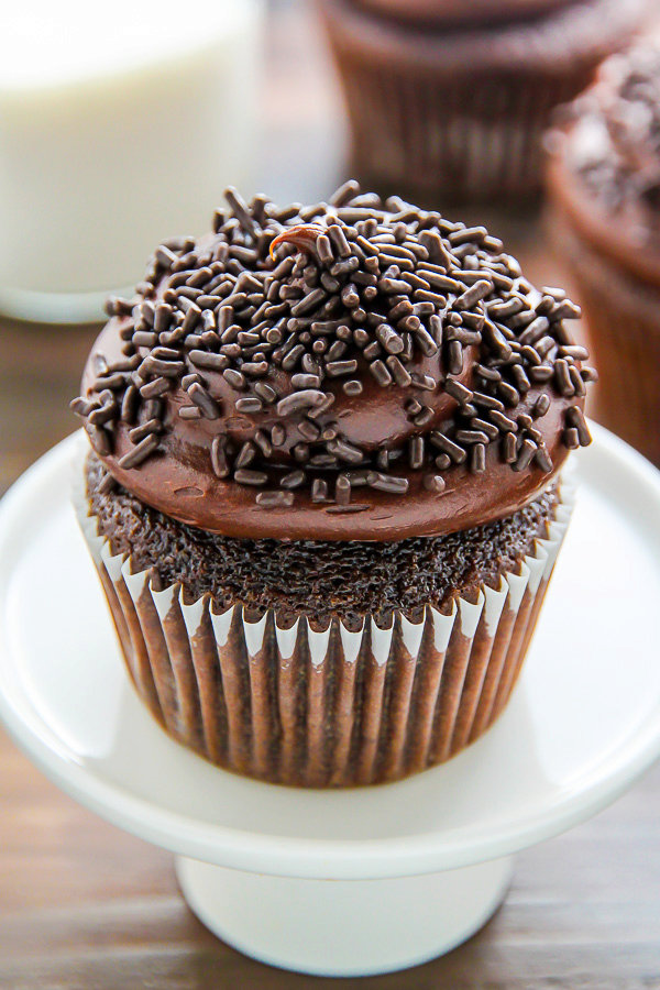 Old-Fashioned Chocolate Buttermilk Cupcakes