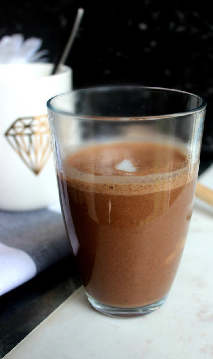 Rich and indulgent healthy hot chocolate {V, GF, DF}