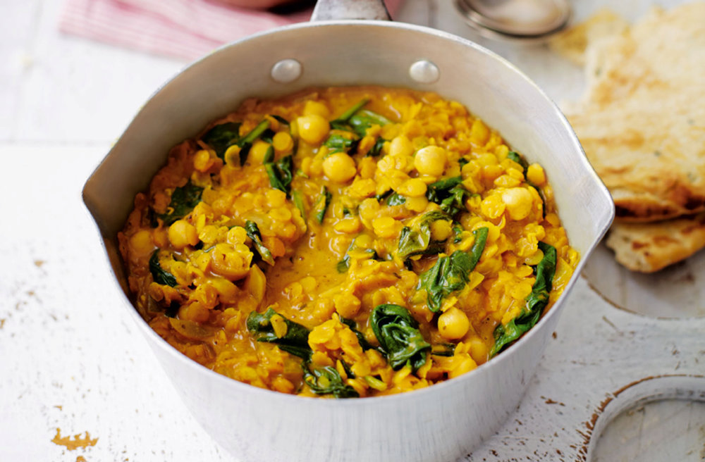 Spinach and chickpea coconut dhal recipe