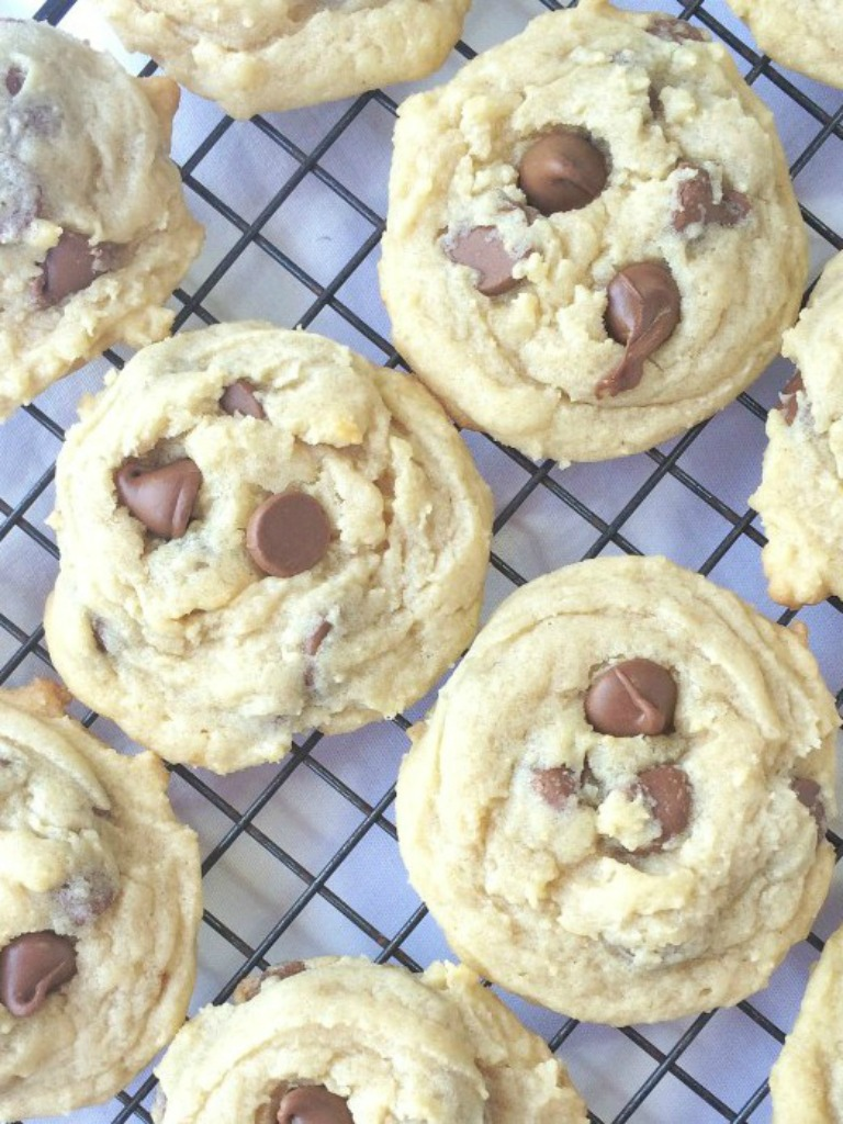 {Our Favorite} Thick, & Soft Chocolate Chip Cookies