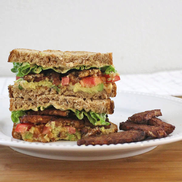 Vegan Tempeh Bacon Sandwich