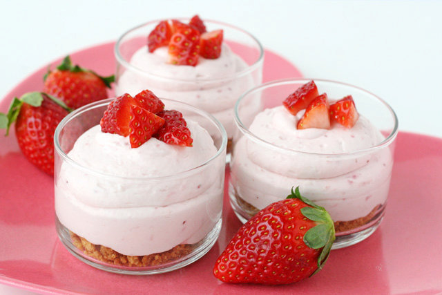 Strawberry Cheesecake Mousse Cups