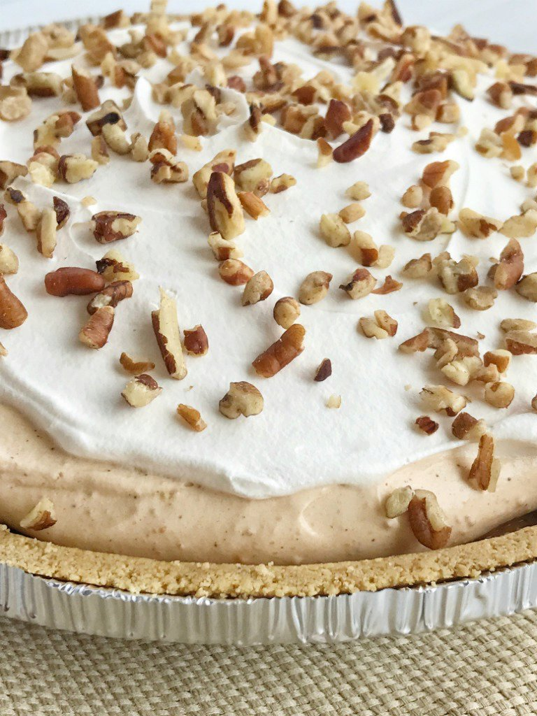 {no bake} Triple Layer Pumpkin Spice Pudding Pie