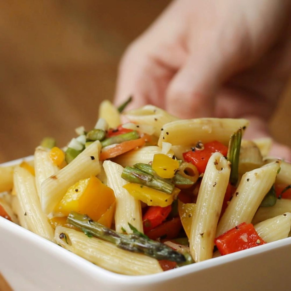 One-Tray Garlic Primavera Pasta Recipe by Tasty
