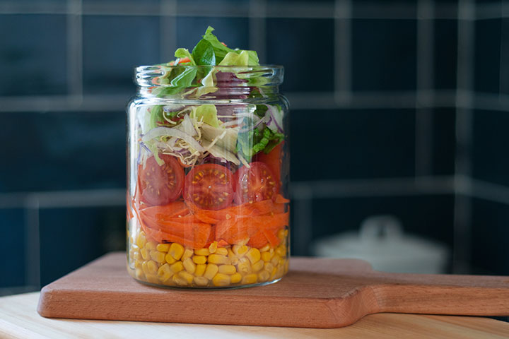 The 21-Day Weight Loss Breakthrough Diet Container Salad
