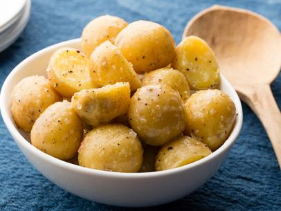 Boiled Potatoes with Butter