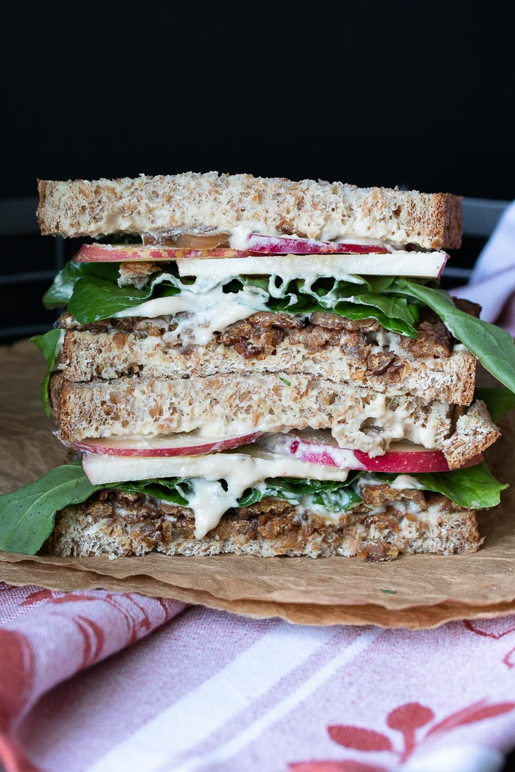Apple, Arugula and Smoky Tempeh Sandwich