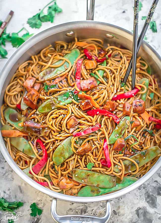 Easy Chicken Lo Mein + VIDEO {Meal Prep}