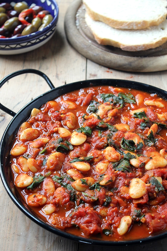 Vegan Spanish Beans with Tomatoes