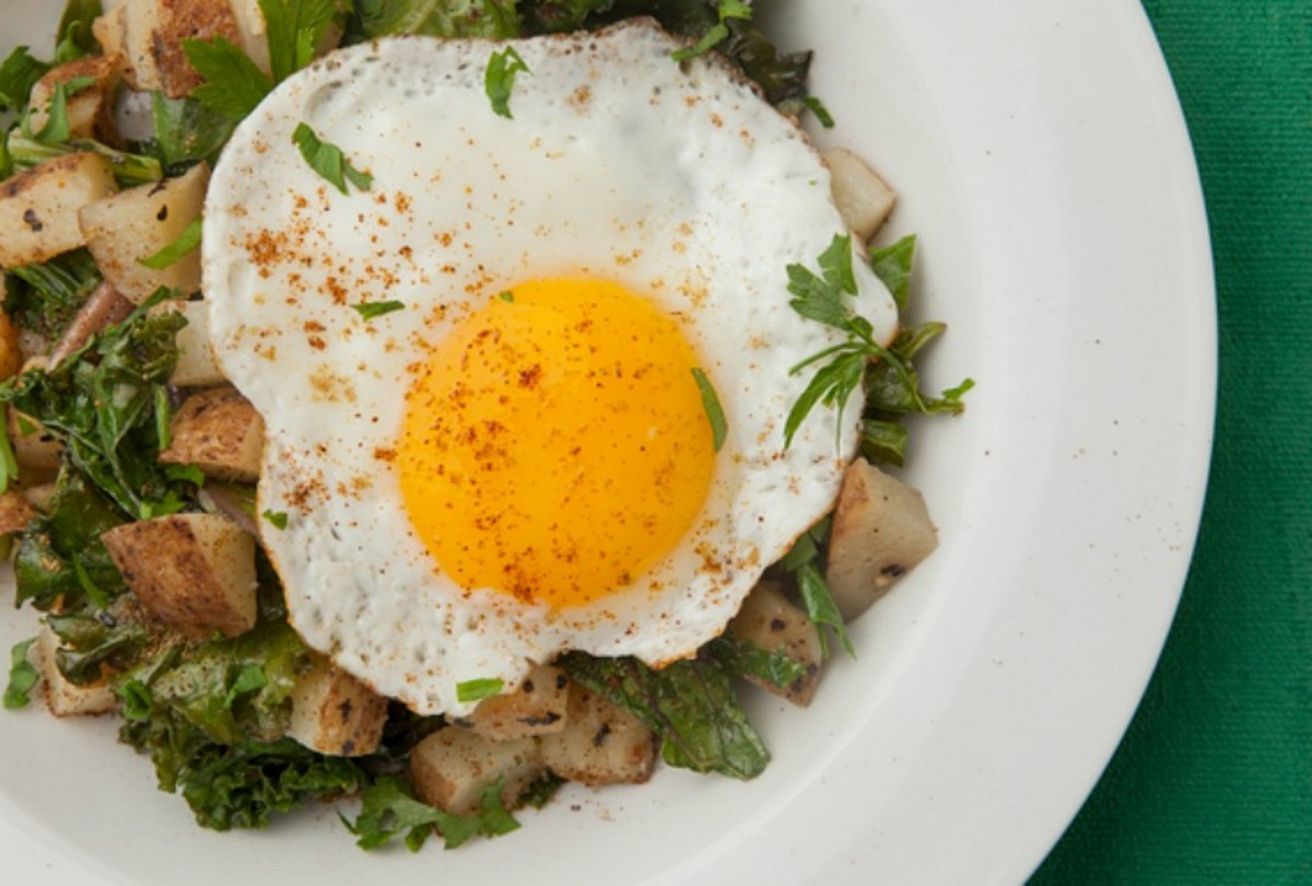 Kale and Potato Hash With Fried Egg