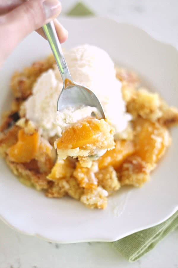 Peach Cobbler Dump Cake Recipe